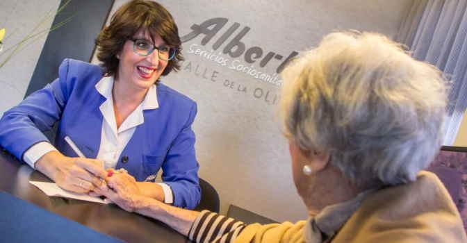 Albertia ha conseguido la acreditación de los Criterios CHROME contra las sujeciones químicas en dos residencias para mayores de Madrid.