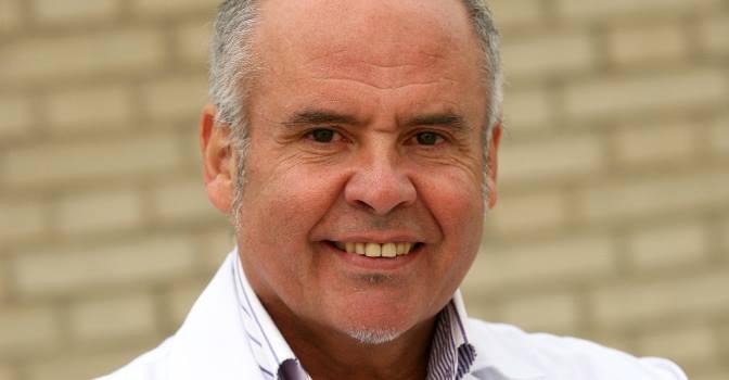 El Dr. Antonio Burgueño, responsable del Programa Desatar de CEOMA, que busca eliminar el uso de sujeciones en España.