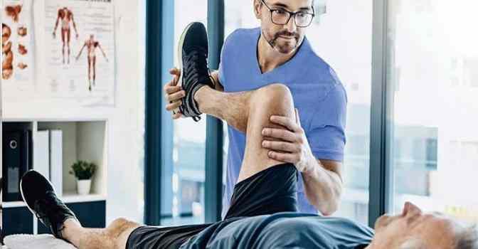 Cuidar a una persona con fractura de cadera requiere respetar un proceso.