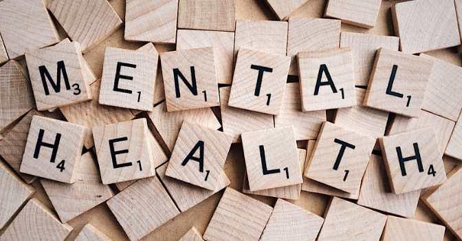 Los trastornos de salud mental afectan más a las mujeres debido a la ansiedad y la depresión, asunto debatido por la Fundación Edad&Vida.