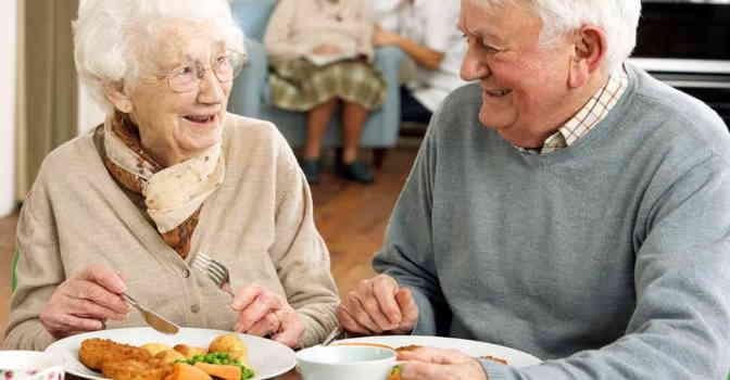 Sodexo crea programa de estimulación sensorial a través de la comida para mejorar la nutrición de los mayores en residencias.